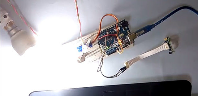 Home Automation using Pir Motion Sensor and Arduino uno In hindi