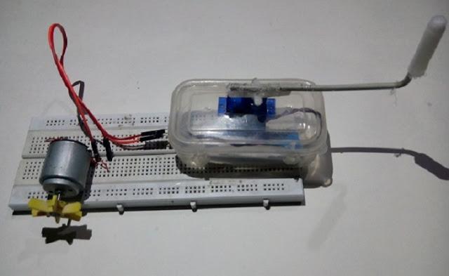 आप LED Light इस Servo motor से लगा सकते हो इस तरह आप Electric Generator घर पर बना सकते हो